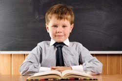 непослушный ученик сидит на парте картинки
